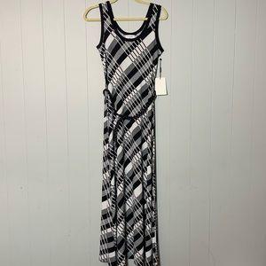 Calvin Klein Blk/Wht Scoop Neck Tank Maxi Dress